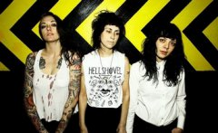 EXPRESSO : THE COATHANGERS