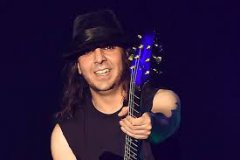 EXPRESSO : DARON MALAKIAN & SCARS ON BROADWAY