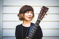 EXPRESSO : MOLLY TUTTLE